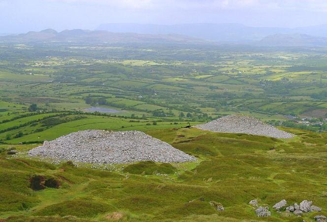 Cairns on Carrowkeel, looking towards Benbulben