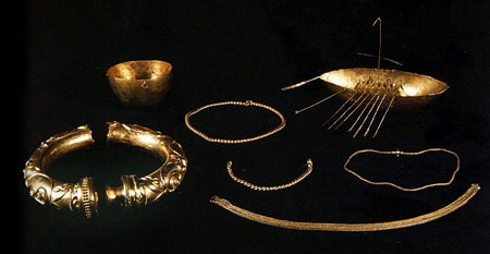 Items from the Broighter hoard. (First century CE.)