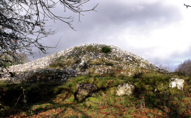 Heapstown Cairn / Ochtriallach's Cairn